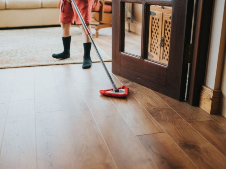 How to Clean Vinyl Plank flooring?