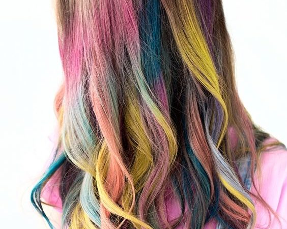 using hair chalk to color hair