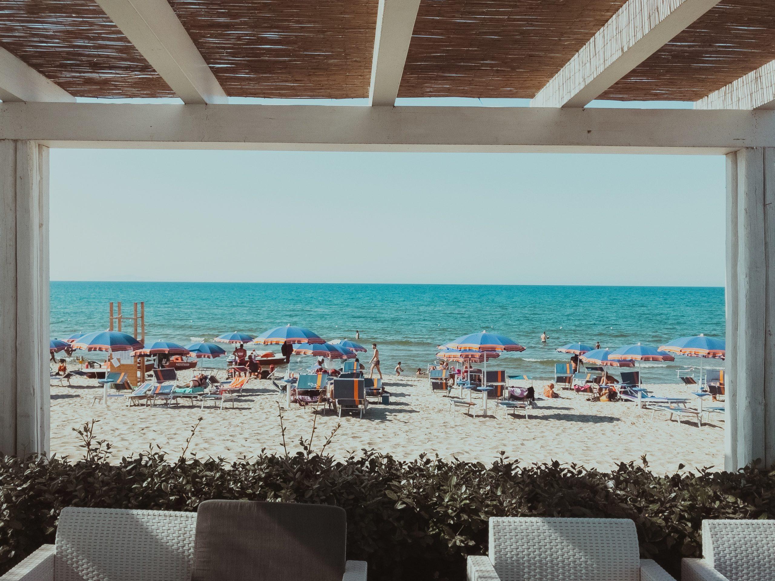 folly beach restaurants